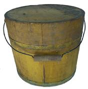 Y280 Mince Meat Bucket with  great yellow paint , metal bail handle  fingered lid with iron staples, pine staved planks. Pennsylvania.