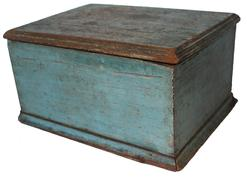 "D172 Early 19th century Carolina County MD. doucement Box in the original blue paint, yellow pine one board dovetailed case construction. The lid has a double beaded edge, the base has a simple cove molding on all four sides. circa 181820 Measurements are 13"" wide x 10"" deep x 7"" tall"